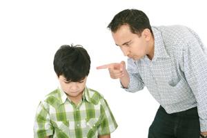 Нельзя использовать угрозы и физические наказания если ребенок не справляется с учебой