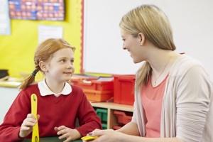 Надо развивать в детях умение сосредоточиться на звуковом материале